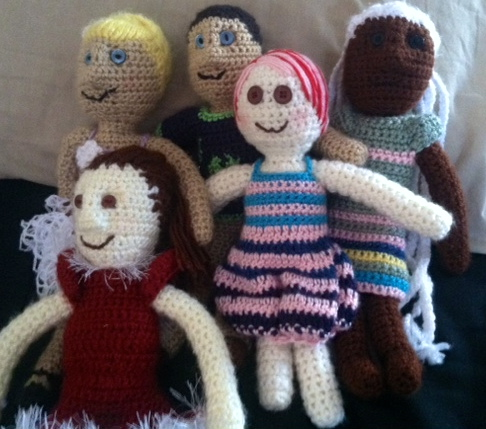Crochet Patterns You Can Sell : Dress-up Doll *FREE* Crochet Pattern Family Bugs Blogging