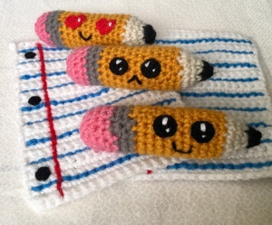Crochet pencils and paper pattern